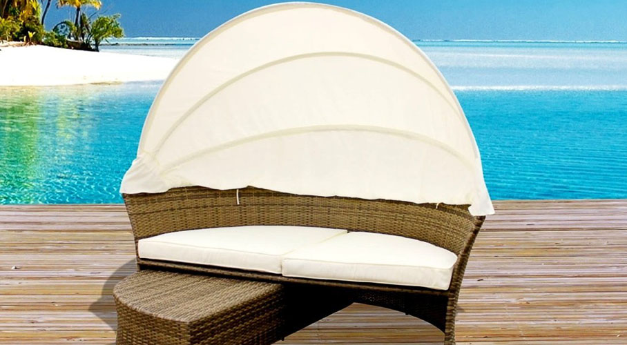 Outdoor Wicker Lounge Bed